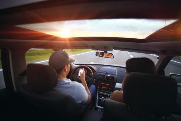 alleen jij mag in de auto rijden
